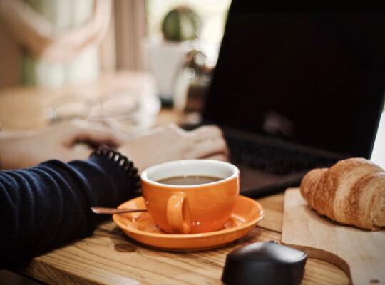 Hoe organiseer je thuiswerk voor je personeel